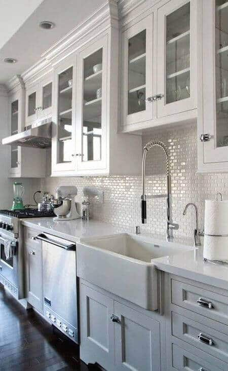 We now invite you to take a look at the farmhouse kitchen sink ideas our team has gathered, and we hope you feel inspired to create the kitchen you want. For other kitchen ideas go to thekitchenvibe.com